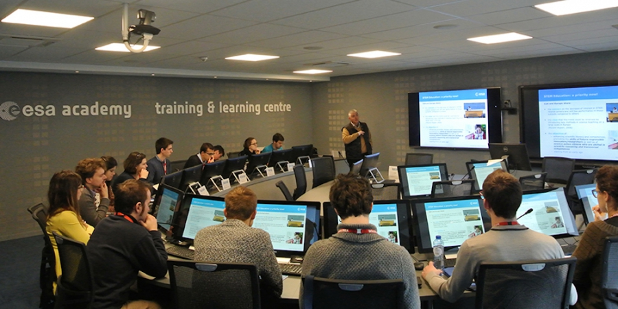 Studenten in het ESA Academy Training & Learning Centre.